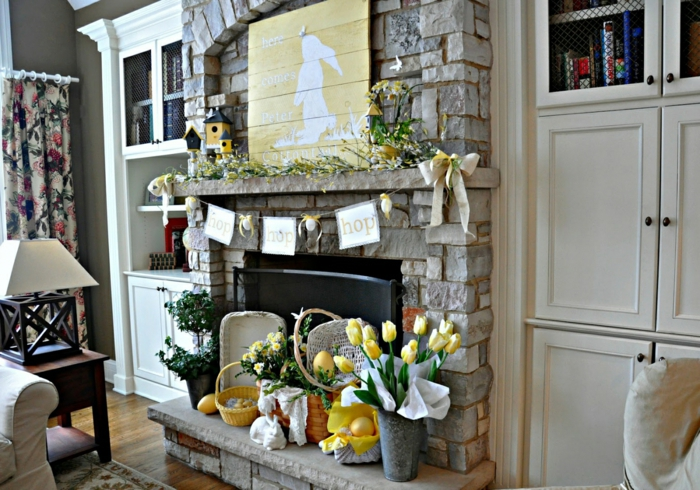easter decoration ideas table decoration yellow tulips easter eggs mantel