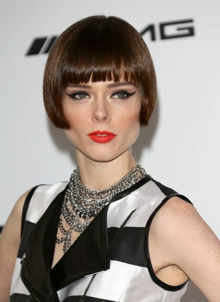 page cut with pony short bob pagen hairstyle retro style form