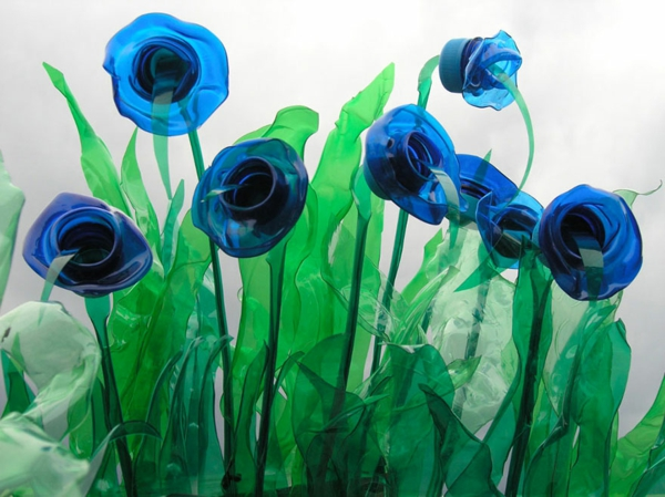 pet bottles art blue roses