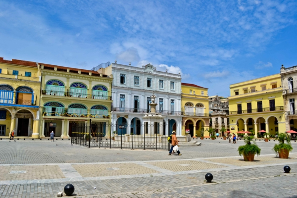 travel to cuba holidays plaza de armas