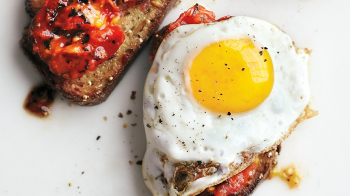 fast food fast healthy eating egg on toast