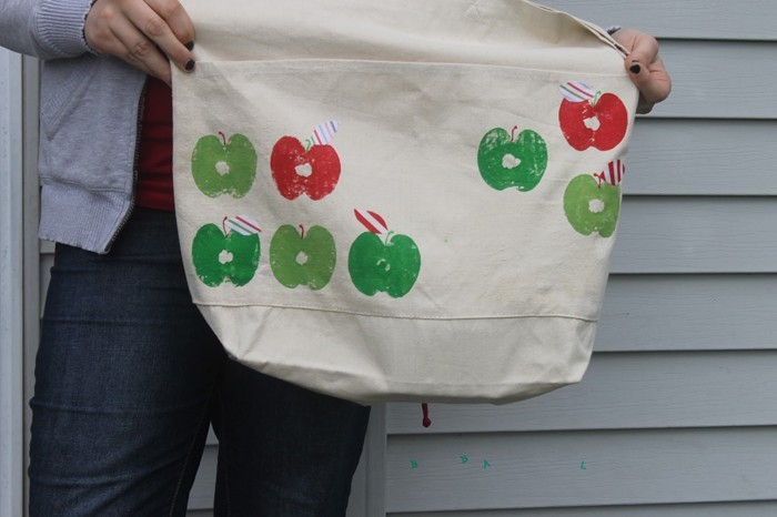 stamp yourself making brussels sprouts flower pattern t shirt apple vaulted apple bag