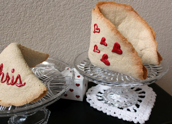 valentine's day gifts make fortune cookies