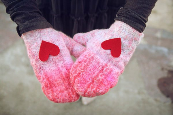 valentine's day gifts make gloves with hearts