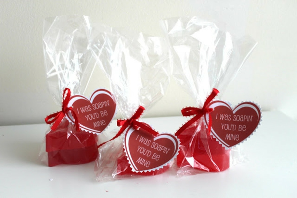 valentine's day gifts make themselves soaps