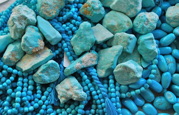wall color turquoise gemstone chains stones