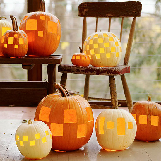 autumn decoration of pumpkin lanterns with square openings